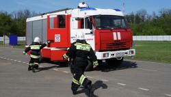 МЧС впервые проведет соревнования по пожарному биатлону-wpid-1005772017
