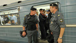 Маскированную связь смогут использовать полицейские в метро с 2014 года-wpid-963155601
