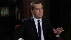 Надо повысить скорость прибытия МВД и МЧС к месту ЧП - Медведев-wpid-990817539